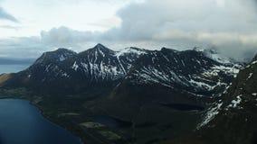 Los picos de Lofoten en el ártico metrajes