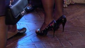 Los pies de las mujeres y de los hombres Imagen de archivo libre de regalías