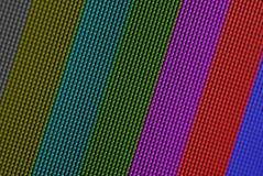 Los pixeles del primer de la pantalla del LCD TV con las barras de color son un modelo de prueba de la televisión Foto de archivo libre de regalías
