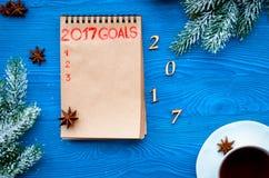 Los planes por Año Nuevo en espacio en blanco abren la opinión superior del cuaderno Imagen de archivo
