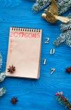 Los planes por Año Nuevo en espacio en blanco abren la opinión superior del cuaderno Imágenes de archivo libres de regalías