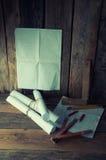 Los planes y las herramientas del carpintero Fotografía de archivo libre de regalías