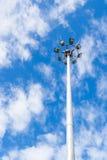 Los polos de poder del polo ligero son altos en el cielo Fotografía de archivo libre de regalías