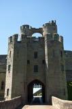Los portcullis y la casa de la puerta en Warwick se escudan Fotos de archivo