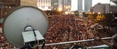 Los Protestors en la revolución 2014 del paraguas de las protestas de Harcourt Road Occupy Admirlty Hong Kong ocupan la central Foto de archivo