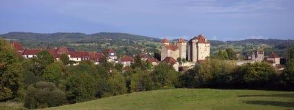 Los pueblos más hermosos de Francia: Castillo en C Imágenes de archivo libres de regalías