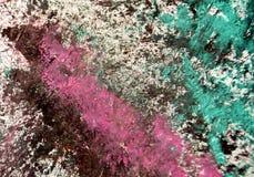 Los puntos verdes blancos púrpuras ponen en contraste el fondo de pintura de la acuarela, acrílico de la acuarela que pinta el fo imagen de archivo libre de regalías