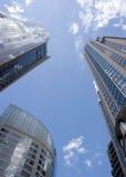 Los rascacielos se levantan al cielo Imagen de archivo libre de regalías
