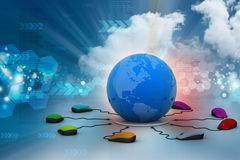 Los ratones del ordenador están conectados alrededor del globo Imagenes de archivo