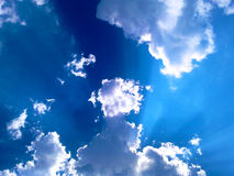 Los rayos del ` s del sol Fotografía de archivo libre de regalías