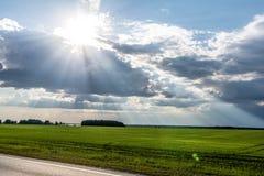 Los rayos del ` s del sol de Imagenes de archivo