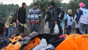 Los refugiados acababan de llegar a la orilla Fotos de archivo libres de regalías