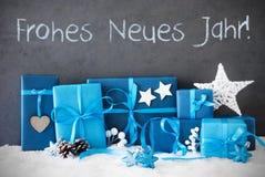 Los regalos de la Navidad, nieve, Frohe Neues Jahr significan Feliz Año Nuevo Fotos de archivo libres de regalías