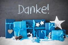 Los regalos de la Navidad, nieve, medios de Danke le agradecen Fotos de archivo libres de regalías