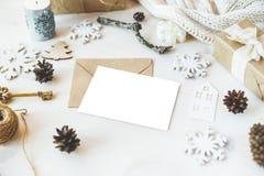 Los regalos lindos del Año Nuevo de la Navidad del vintage imitan para arriba Imagenes de archivo