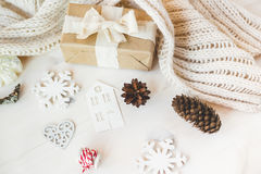 Los regalos lindos del Año Nuevo de la Navidad del vintage imitan para arriba Imágenes de archivo libres de regalías