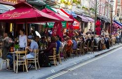 Los restaurantes acercan al lugar del St Christophers Imagen de archivo libre de regalías