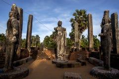 Los restos de la casa de la imagen en Mudu Maha Vihara adyacente a Pottuvil varan en la costa este de Sri Lanka Imagen de archivo