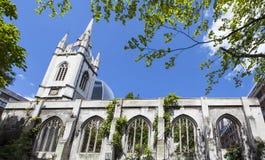 Los restos de la iglesia del Dunstan-en--este del St en Londres Imagen de archivo libre de regalías