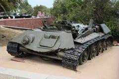 Los restos de un tanque de batalla T-34 fotografía de archivo