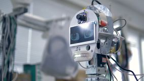 Los robots dirigen con una pantalla de trabajo que muestra ojos del centelleo metrajes