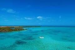 Los Roques, mar dei Caraibi Paesaggio fantastico Grande scena della spiaggia immagine stock