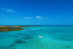 Los Roques, mar del Caribe Paisaje fantástico Gran escena de la playa imagen de archivo