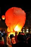 Los rumanos saludan a rey Michael con los globos del aire caliente en su día de nombre Fotos de archivo libres de regalías