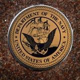 Los símbolos militares de los E.E.U.U. para Estados Unidos mantienen el aire de los infantes de marina de la marina de guerra foto de archivo