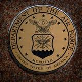 Los símbolos militares de los E.E.U.U. para Estados Unidos mantienen el aire de los infantes de marina de la marina de guerra fotos de archivo libres de regalías