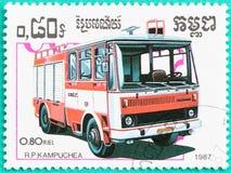 Los sellos con impreso en Camboya muestran el firetruck Imagen de archivo