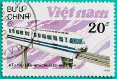 Los sellos impresos en Vietnam muestran el tren de la locomotora diesel Imagen de archivo