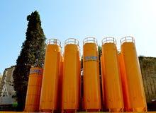 Los silos para las fundaciones del nuevo metro alinean Roma Italia Foto de archivo