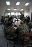 Los soldados americanos entrenan al ejército afgano Imagen de archivo libre de regalías