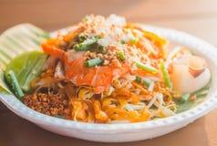 Los tallarines tailandeses del cojín tailandés tradicional de la comida Foto de archivo libre de regalías