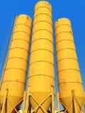 los tanques amarillos Fotos de archivo libres de regalías