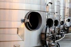 Los tanques de acero para la elaboración de vino Foto de archivo libre de regalías
