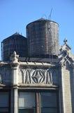 Los tanques de agua de Nueva York Imagen de archivo libre de regalías