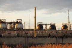 Los tanques de almacenaje esféricos para el gas licuefecho Fotografía de archivo
