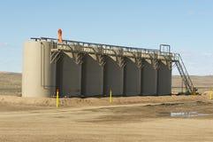 Los tanques de almacenamiento de aceite Fotos de archivo libres de regalías
