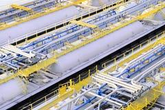 Los tanques de almacenamiento del producto derivado del petróleo Fotografía de archivo