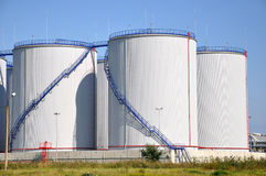 Los tanques de petróleo Imagen de archivo libre de regalías