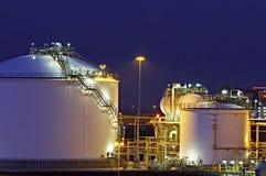 Los tanques de petróleo Fotos de archivo libres de regalías