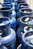 Los tanques de propano azules fotos de archivo libres de regalías