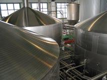 Los tanques del fermentaion de la cerveza Imagenes de archivo