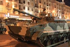 Los tanques en la calle de Moscú Fotografía de archivo libre de regalías