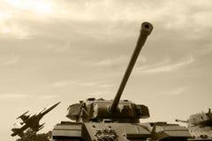 Los tanques y avión de combate Imágenes de archivo libres de regalías