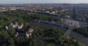 Los tiros aéreos de Vajdahunyad se escudan en Budapest, Hungría metrajes