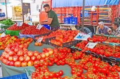 Los tomates rojos en el mercado de Antalya Fotografía de archivo libre de regalías