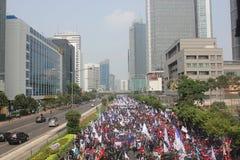 Los trabajadores celebraron la demostración en Jakarta Imagen de archivo libre de regalías